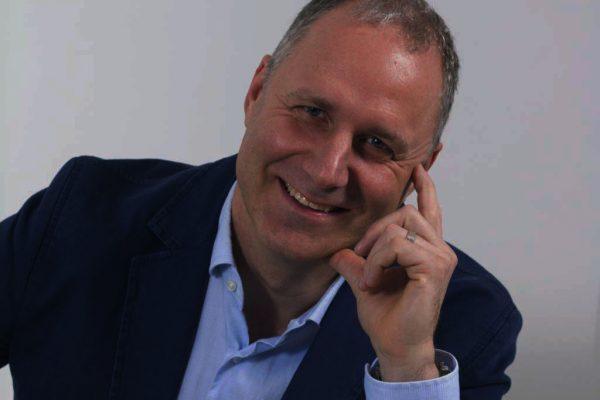 Dr. Neuwirth Tamás